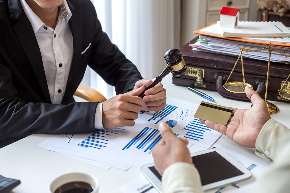 מחיקת חובות לבעלי עסקים