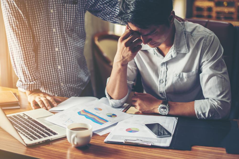 קשיים כלכליים לחברות בחובות